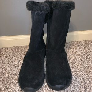 New Skechers suede boots